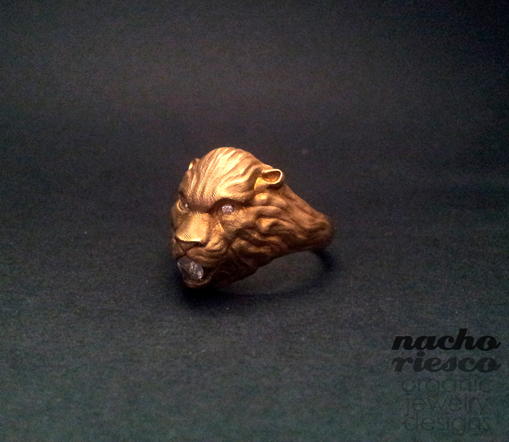 lionring_by_nachoriesco.jpg